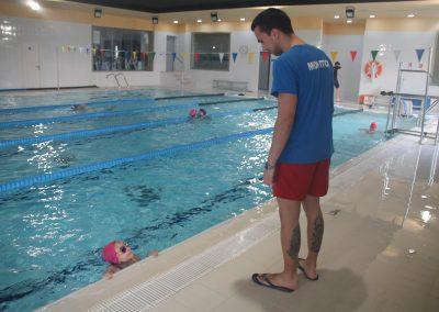 monitor-curso-natacion